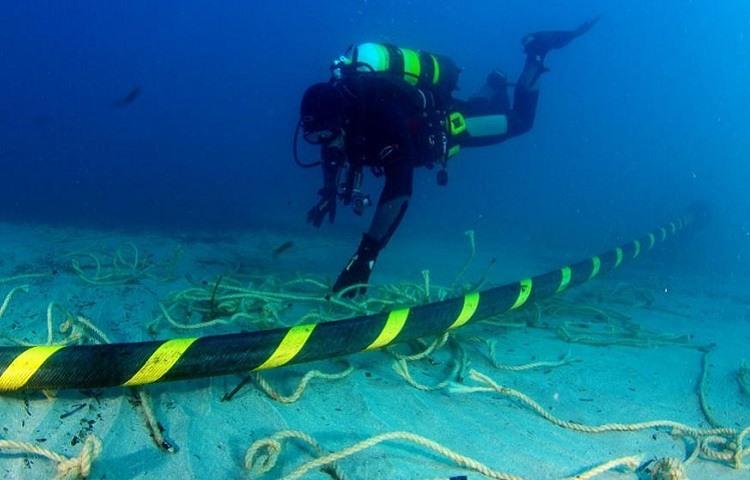 Cables submarinos que conectan digitalmente el mundo