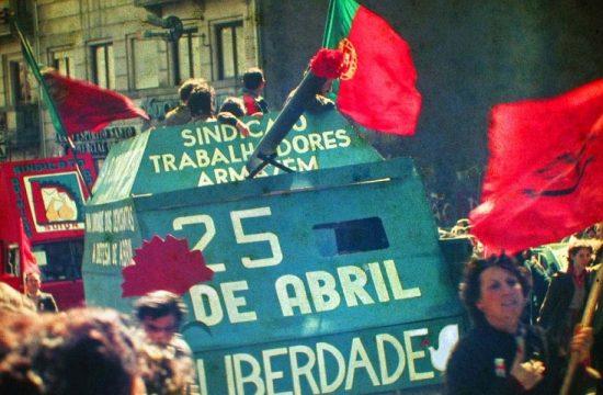 La Revolucion de los Claveles en Portugal