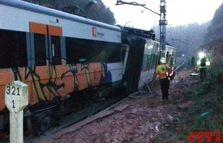 Descarrila un tren en Barcelona