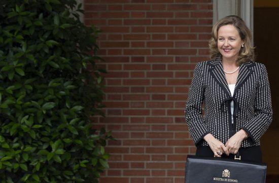 La economia espanola seguira creciendo a buen ritmo segun la ministra Calvino
