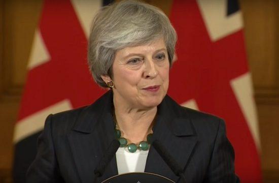 May advierte que el Reino Unido se enfrenta a un camino de profunda y grave incertidumbre si se rechaza su acuerdo sobre el Brexit
