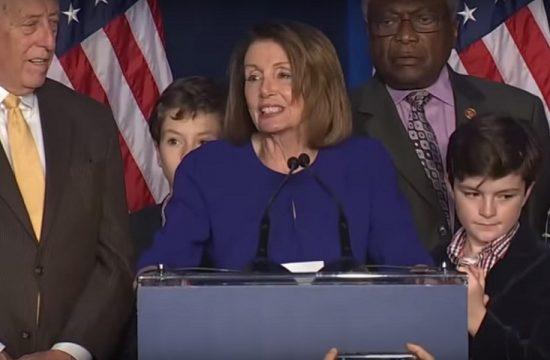 Nancy Pelosi tras la victoria democrata en la camara de representantes