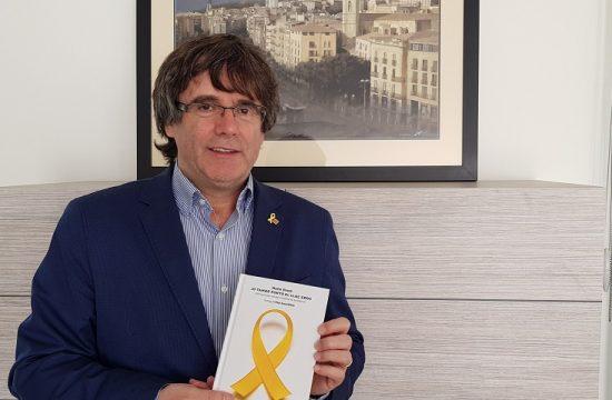 Puigdemont se ofrece como numero dos de Junqueras en una lista unitaria al Parlamento de la UE, y este lo rechaza
