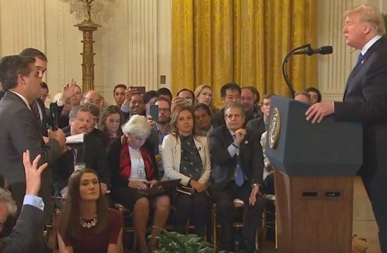 Trump echo de la Casa Blanca al periodista de la CNN con el que discutio