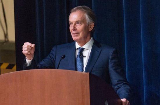 May acuso a Tony Blair de socavar sus negociaciones con la UE