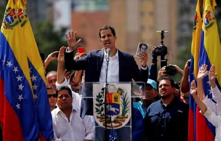 Guaido se declara presidente de Venezuela