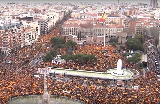 Manifestacion en la plaza de colon