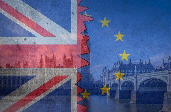 El parlamento británico rechaza una salida sin acuerdo de la UE