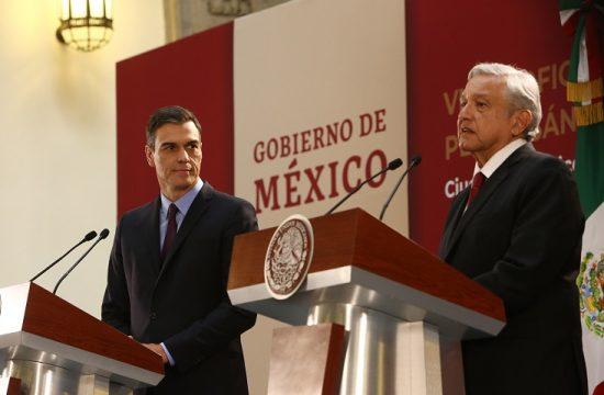 Lopez Obrador exige al Rey que Espana que se disculpe por las masacres cometidas durante la conquista