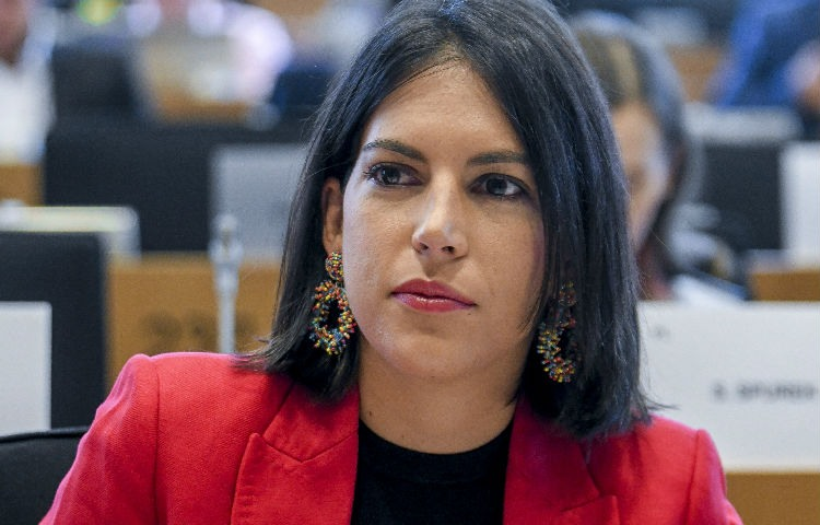 La europarlamentaria Adriana Maldonado propone medidas para regular el juego online